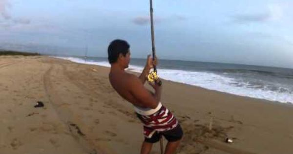 Ulua fishing compilation on kauai beaches another for Fly fishing kauai