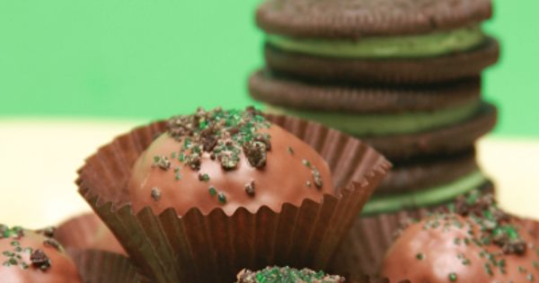 Sugar Bean Bakers: { Mint Oreo Brownie Truffles }.