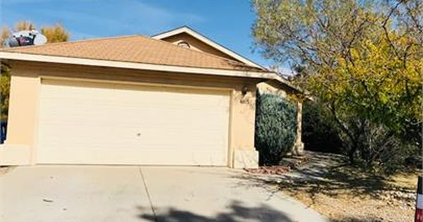 3bd 2ba Single Family Home For Rent In Albuquerque S Nw Side 1 200 00 Mo Https Aqmllc Managebuilding Com Resident Renting A House House Rental Rio Rancho