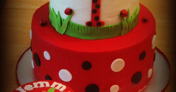 Fondant Decor On Buttercream Cake : Lady bug 1st bday with smash cake - covered in buttercream ...