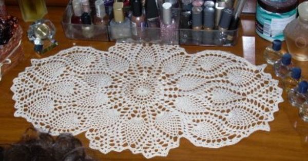 Small Crocheted Table Runner Patterns Free Pineapple