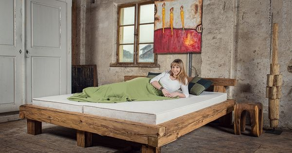 betten aus alten balken von mangostil bed from reclaimed. Black Bedroom Furniture Sets. Home Design Ideas