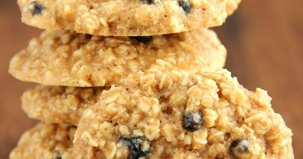 Clean-Eating Blueberry Oatmeal Cookies — these skinny cookies don't ...