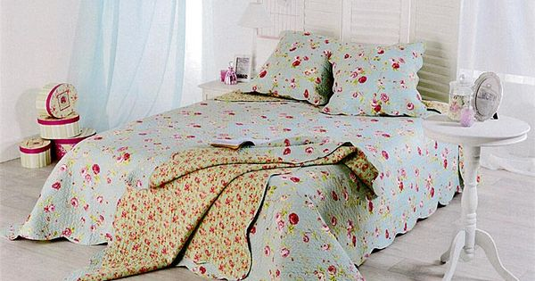 couvre lit boutis lolita 180x240 bleu ciel motif fleurs roses boutis pinterest. Black Bedroom Furniture Sets. Home Design Ideas