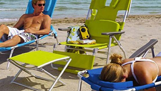 perfect reading beach chair (wear sunscreen!)