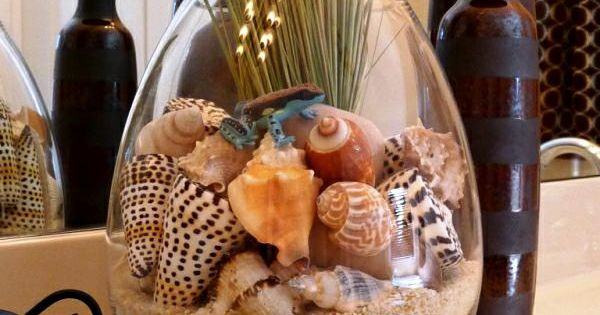 Shell and sand arrangement...