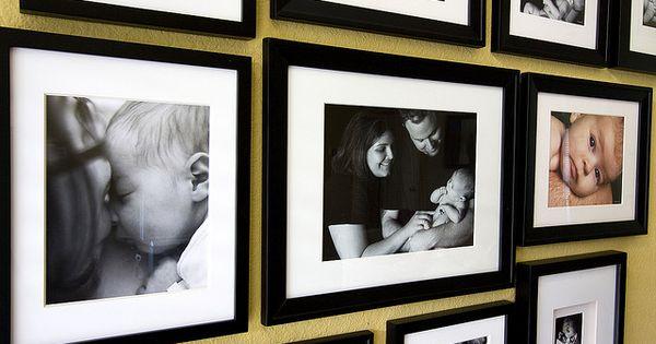 C mo dise ar un muro con cuadros en espa ol cuadro y - Como hacer un cuadro con fotos familiares ...