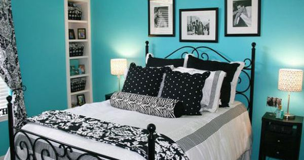 cute blue with black and white room Tween Girl Bedroom Ideas