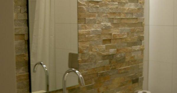 Zeer eigentijds ontwerp natuursteenstrips muurstrips in de badkamer warme natuurtinten - Badkamer meubilair ontwerp eigentijds ...