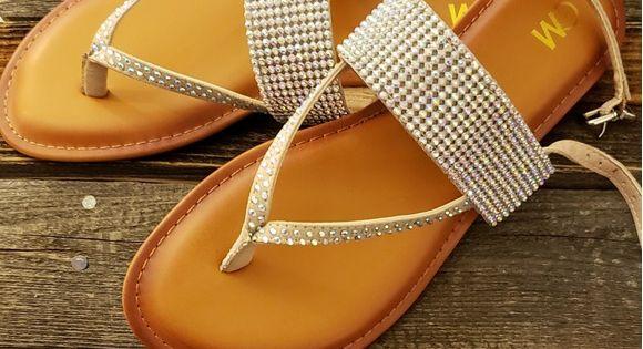 Brand New Chelsea Moreland Sandals Nwt Rhinestone Sandals Sandals Brands Brand New
