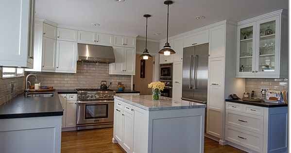 Barker cabinets painted in sherwin williams dover white for Barker kitchen cabinets