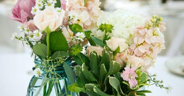 composition florale printani re 55 id es de d co maison bocaux de verre printanier et. Black Bedroom Furniture Sets. Home Design Ideas