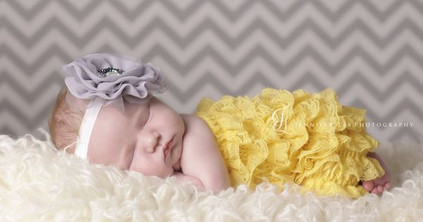 yellow and grey / chevron background