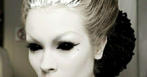 schwarz wei es halloween make up schminken pinterest halloween schwarz wei und schwarzer. Black Bedroom Furniture Sets. Home Design Ideas