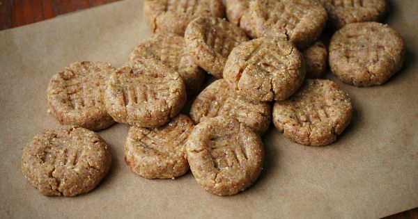 No-bake healthy peanut butter cookie. Sweetened with dates!