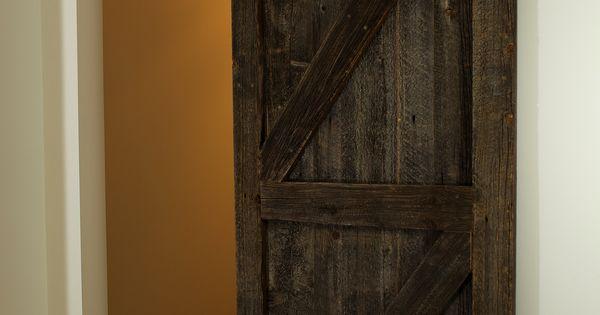 Porte coulissante en bois de grange avec le magnifique for Decoration porte de grange