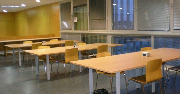 Mesas con tomas de corriente para port tiles hemeroteca - Mesas para ordenadores portatiles ...
