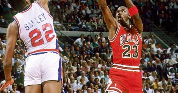 Detroit pistons, Chicago bulls and Michael jordan on Pinterest