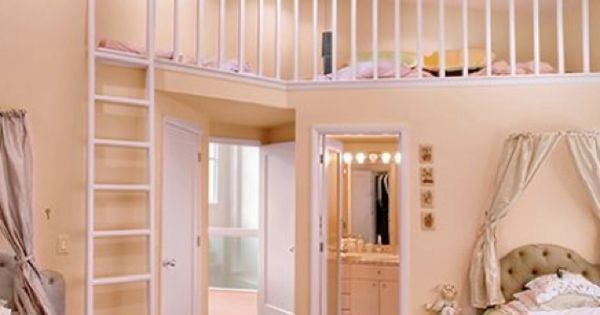 little girls room... perfect for Lily & Pearl ... in our dream