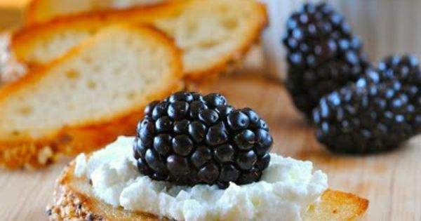 goat cheese with blackberry appetizer