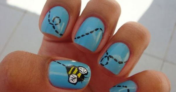 Bee nail art nailart nails