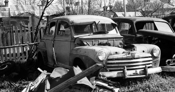 Wrecking Yards In Oregon : Vintage everyday photos of classic car salvage