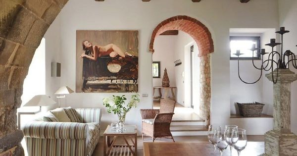 Italian living room decor with romanesque features for Abercrombie interior design and decoration