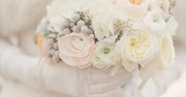Google Image Result for http://dawnephoto.com/wp-content/uploads/2012/11/white-winter-wedding-bouquet.jpg