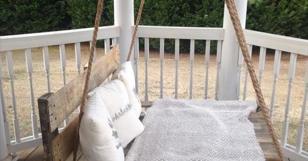 h ngebett selber bauen 44 diy ideen f r bett aus paletten im garten bett selber machen bett. Black Bedroom Furniture Sets. Home Design Ideas