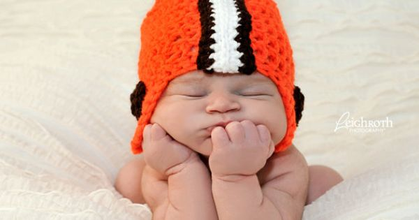Cleveland Browns baby hat. Put your kid in this and set them