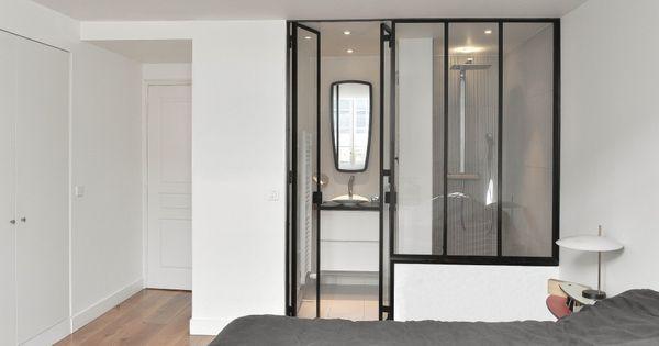 suite parentale une verri re pour s parer l 39 espace chambre de l 39 espace salle de bain. Black Bedroom Furniture Sets. Home Design Ideas