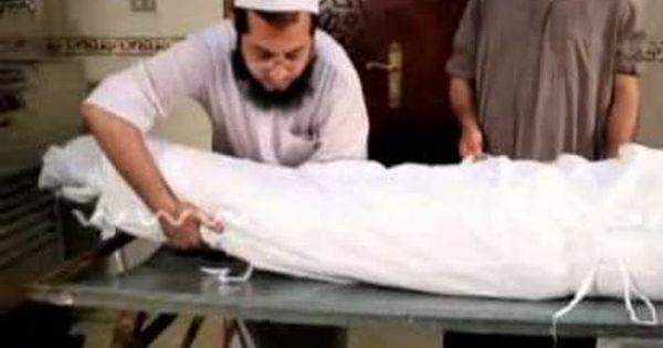 اكبر مغسل في السعودية يكشف عن اغرب حالات الاموات التي سببت له انهيار عصبي ودخل بسببها المستشفي