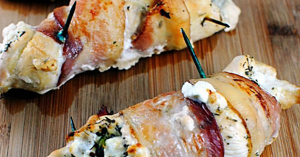 Bacon Wrapped Goat Cheese Stuffed Chicken Breasts | Recept - Bacon ...