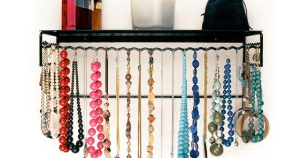BelleDangles Classic BelleDangles Jewelry Organizers, http://www.amazon.com/dp/B002SVQ4EU/ref=cm_sw_r_pi_dp_SBhMqb1EB6KB0/191-9971712-5463920