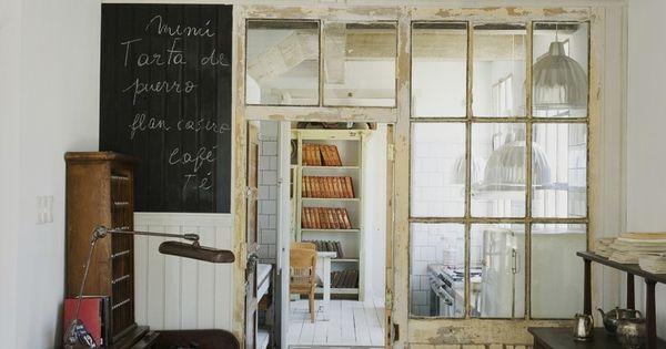Casa zinc in uruguay kitchen foyer kitchen design for Kitchen zinc design