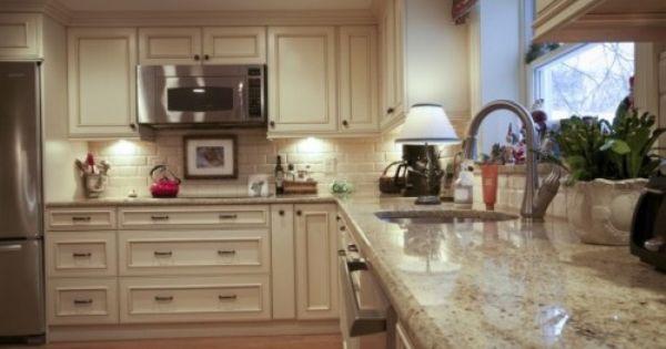 Bingo Colonial Cream Granite Backsplash Cabinet Color Style Kitchen Renovation Outdoor Kitchen Countertops Light Granite Countertops