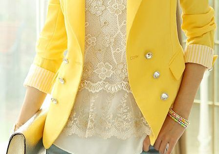 Love this yellow blazer. This fall I'm all about colored blazers popofcolor