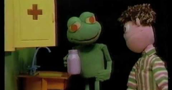 The Clyde Frog Show Pills Clyde Frog Kids Shows Pbs Kids
