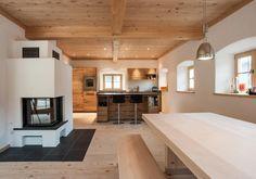 Moderne Bauernstube Mit Altholz Und Kaminofen Haus Wohnkuche