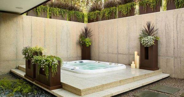 Jacuzzi ext rieur id es pour cr er votre oasis dans le jardin jacuzzi ext rieur am nagement for Jacuzzi jardin occasion