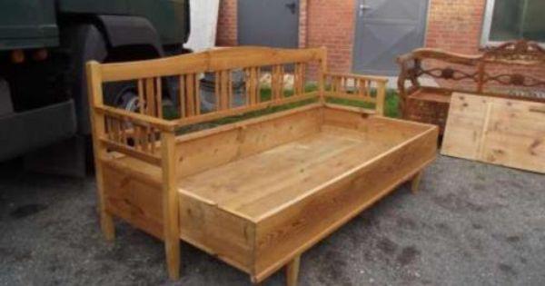 Unrestaurierter Zustand Holz Kiefer Bank Mit Bettkastenfunktion