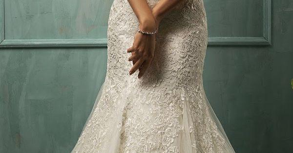Amelia Sposa Vintage Lace Mermaid Trumpet Fit and Flare Tulle Elegant Bridal