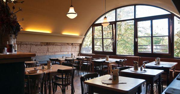 Die Sieben Besten Frankischen Restaurants In Der Altstadt Von Nurnberg Restaurant Stube Frankische Spezialitaten
