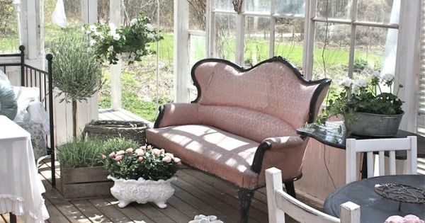 wintergarten einrichtung shabby chic skandinavischer stil. Black Bedroom Furniture Sets. Home Design Ideas