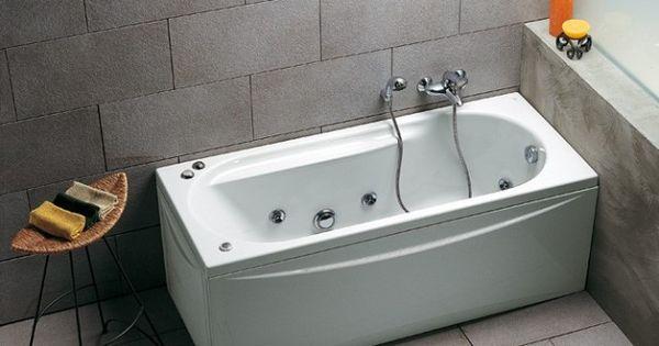 petite baignoire balneo d co salle de bain pinterest petite baignoire baignoire balneo et. Black Bedroom Furniture Sets. Home Design Ideas