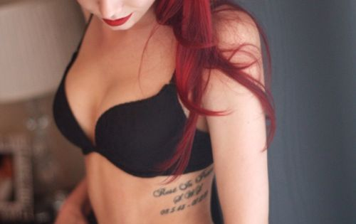 RED PINUP HAIR.