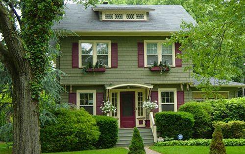 Exterior color scheme sage green base burgundy shutters for Casas sencillas pero bonitas