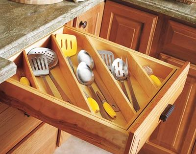 Diagonal kitchen drawer organization... what a great idea!!!