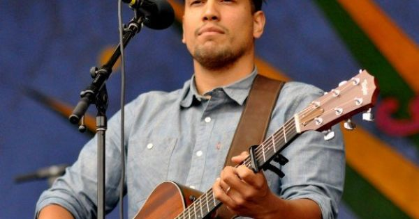 Photos guitar players and guitar on pinterest