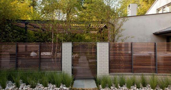 moderner zaun und sichtschutz gleichzeitig aus holz terrasse pinterest moderne z une. Black Bedroom Furniture Sets. Home Design Ideas